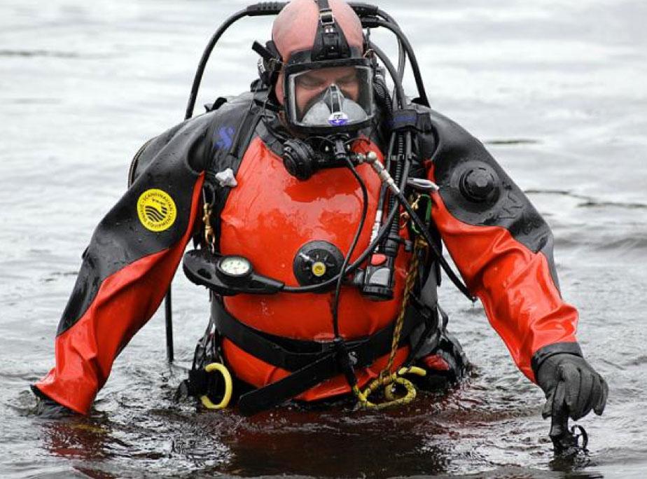 public-safety-diver-001
